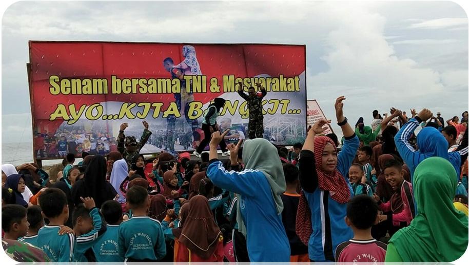 Masyarakat Korban Tsunami Senam Bersama TNI Kodim 0421/Lamsel, Terlihat Raut Wajah Gembira