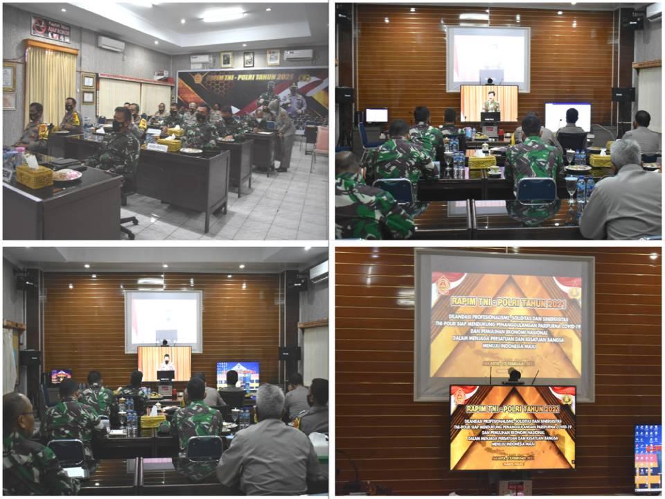Danrem 041/Gamas Bersama Kapolda Bengkulu Mengikuti Rapim TNI-Polri Tahun 2021 Secara Virtual